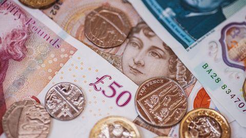 Pfundnoten und -münzen