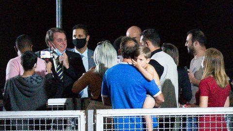 Brasilien: Bolsonaro nimmt bei Treffen mit Fans Maske ab