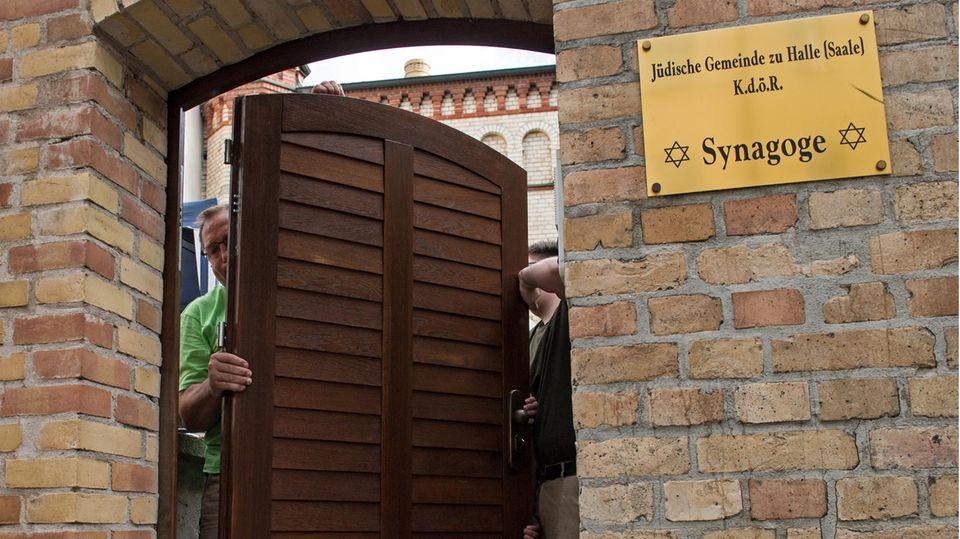 Neue Synagogentür Halle