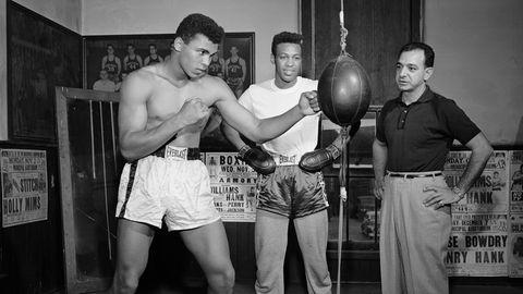 Cassius Clays beim Training in Louisville 1961: Beobachtet wird er von Trainer Angelo Dundee (rechts) und Jimmy Ellis (Mitte)