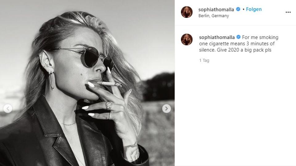 Sophia Thomalla zeigt sich rauchend auf Instagram