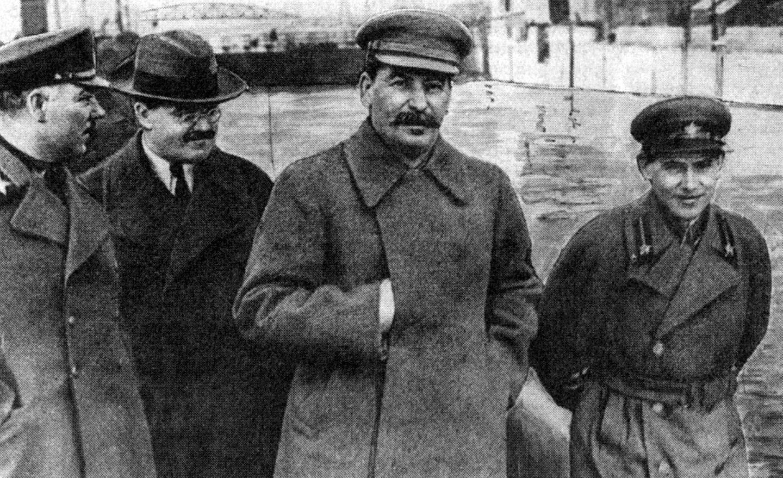 Josef Stalin und Nikolai Jeschow