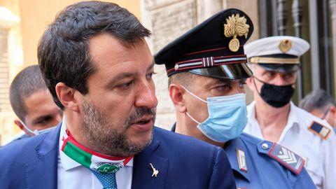 Matteo Salvini (l), der ehemalige Innenminister von Italien