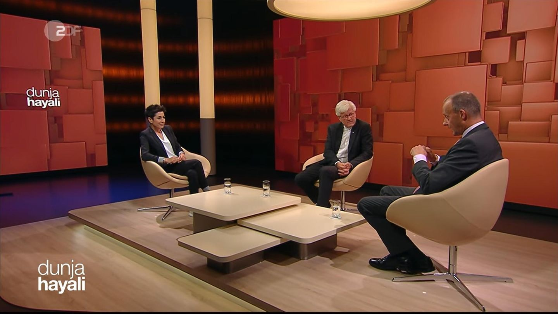Bei Dunja Hayali zu Gast: EKD-Vorsitzender Heinrich Bedford-Strohm und CDU-Politiker Friedrich Merz