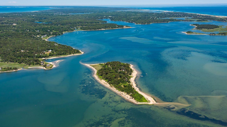 Die InselSipson Island liegt in der BuchtPleasant Bay vor der Ostküste des US-Bundesstaats Massachusetts