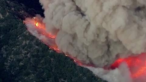 Tausende Menschen evakuiert: Kalifornien kämpft jetzt an zwei Fronten – gegen Corona und heftige Waldbrände