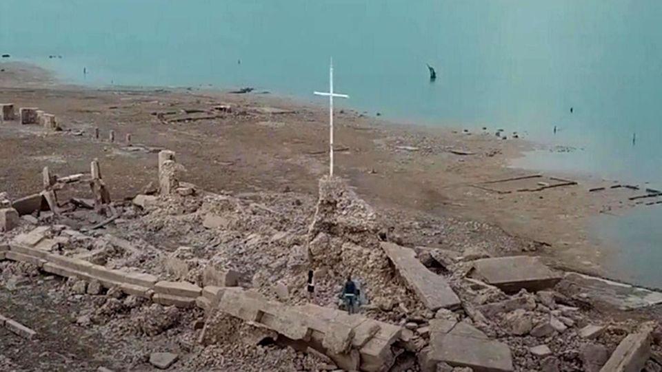 Drohnenvideo: Stausee gibt 300 Jahre alte Stadt frei