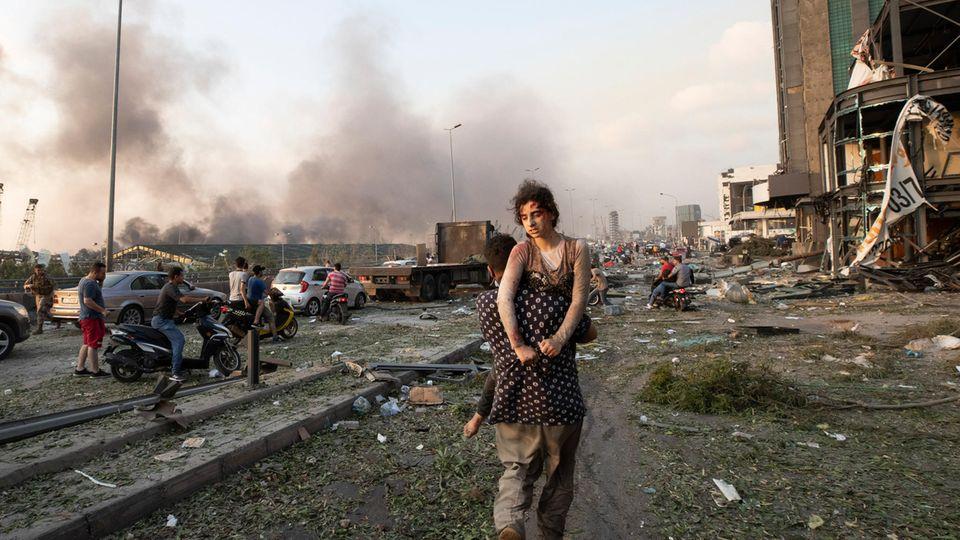Verwundete Menschen irrten durch die Straßen der libanesischen Hauptstadt