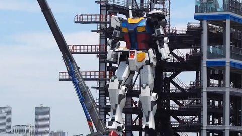Sensation aus Japan: 18 Meter hoher Roboter macht seine ersten Schritte