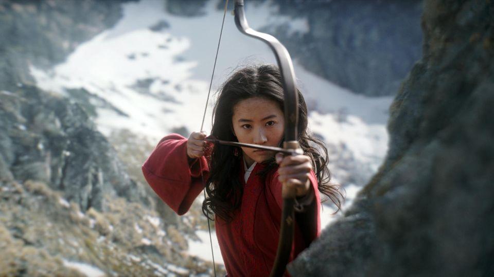 "Yifei Liu als Mulan in einer Szene der Disney-Verfilmung ""Mulan"""