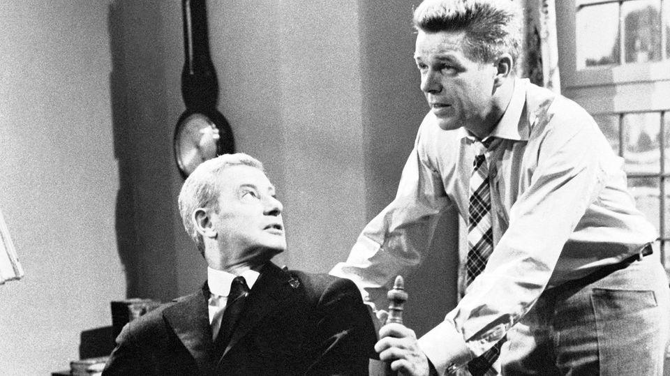 """""""Das Halstuch"""" 1962: Heinz Drache und Dieter Borsche"""