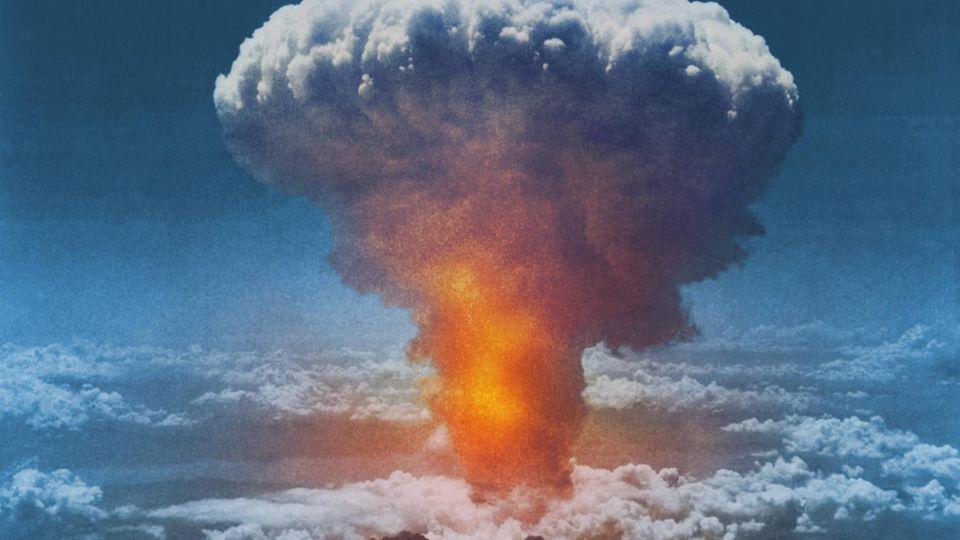 Abwurf der zweiten Atombombe über Japan in Nagasaki, 9. August 1945.