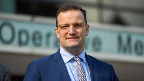 News zum Coronavirus: Gesundheitsminister Jens Spahn: Testpflicht für Rückkehrer aus Risikogebieten gilt ab Samstag