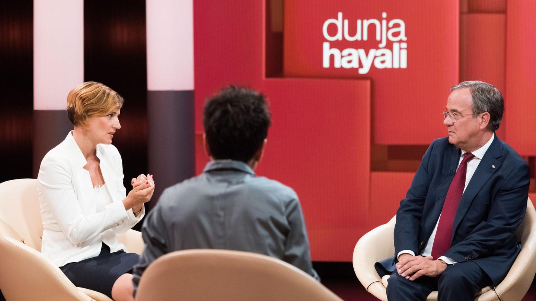 Bei Dunja Hayali ging es am Donnerstagabend auch darum, wie man mit dem Protest gegen Corona-Maßnahmen umgehen soll.Armin Laschet und Katja Kipping (l.) hatten auf die Frage nicht wirklich eine Antwort.