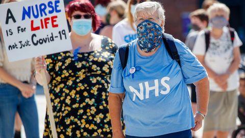 Großbritannien kämpft mit der Corona-Pandemie