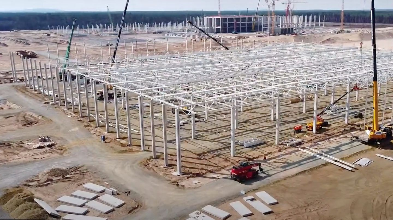 Bau der Tesla-Fabrik in Grünheide bei Berlin Anfang August