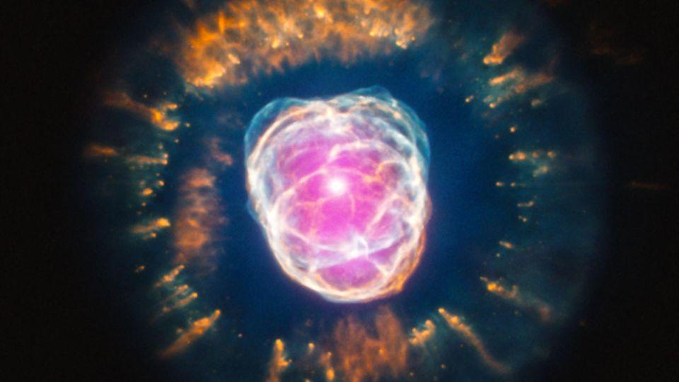 Der Eskimonebel, NGC 2392, liegt im Sternbild Zwillinge.