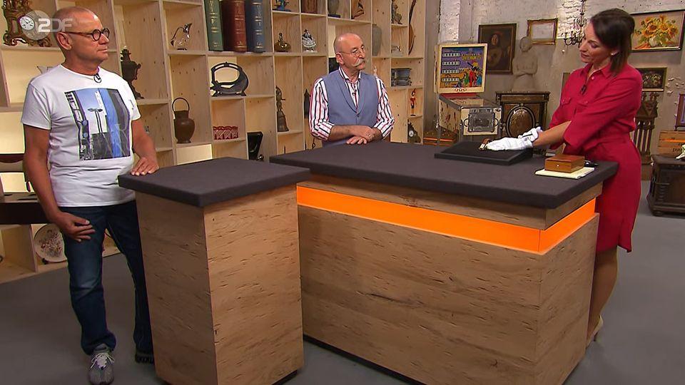 Bares für Rares: Verkäufer Uwe Zeibig, Moderator Horst Lichter, Expertin Wendela Horz