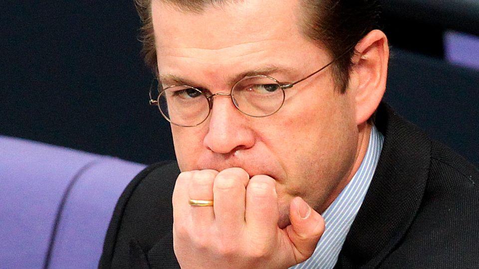 Zu Guttenberg: Der Ex-Minister hat wieder einen Doktortitel