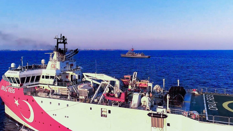 Die Oruc Reis unter Mittelmeerschutz im Mittelmeer