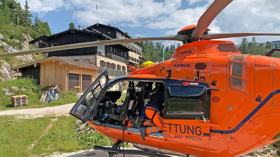 Nachrichten aus Deutschland: Rettungshubschrauber vor der Traunsteiner Hütte