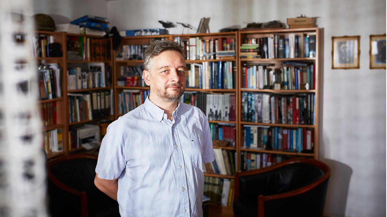 Thomas Meuter, 57, hat bis Anfang 2018 Öffentlichkeitsarbeit für die Firma Dynamit Nobel Defence gemacht. Im September soll er wieder ins Gefängnis
