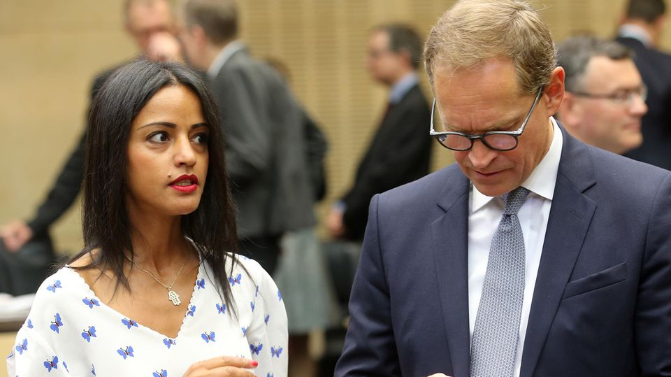 Sawsan Chebli und Michael Müller bei einer Sitzung des Bundesrats
