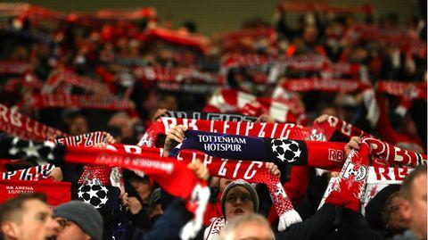 Fans von RB Leipzig beim Achtelfinal-Rückspiel der Champions League