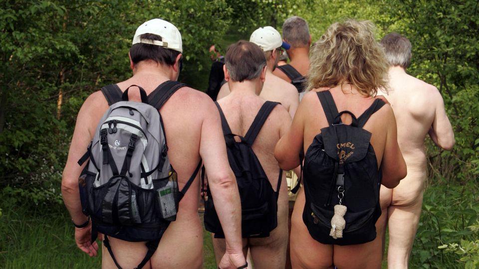 Nachrichten aus Deutschland - Nacktwanderer