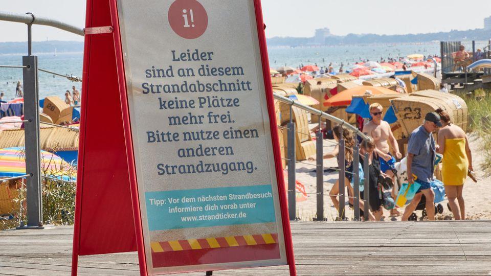 Staus auf dem Weg zur Nord- und Ostsee - Strandampeln auf rot