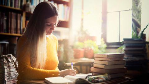 Schreiben im Eigenverlag: Selfpublishing: Geld verdienen mit dem eigenen Buch