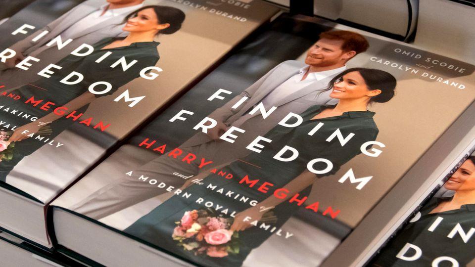 """""""Finding Freedom"""", eine nicht-authorisierte Biografie über Harry und Meghan, sorgt für Wirbel."""