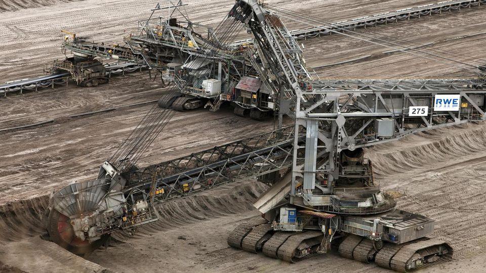 Schaufelradbagger 275 im Tagebau Inden