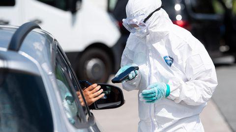 News zum Coronavirus: Die Zahl der Neuinfektionen in Deutschland steigt stetig an - und das nicht allein wegen steigender Tests