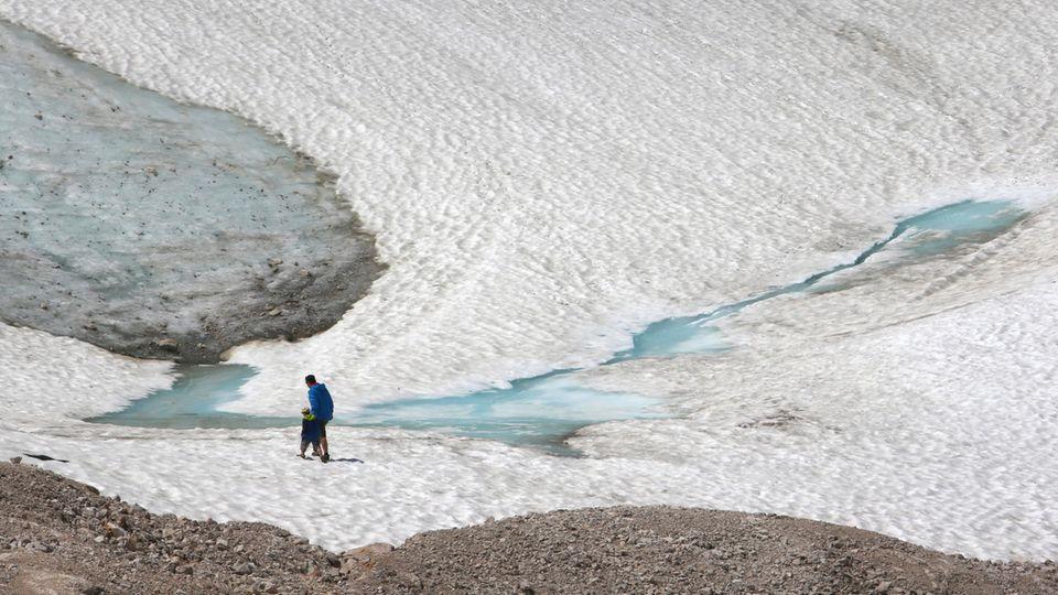 """Die Alpengletscher schrumpfen – ist es bald vorbei mit dem """"ewigen Eis""""?"""