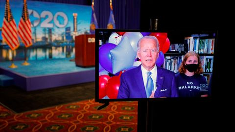 Joe Biden wird per Videofeed zum Parteitag der US-Demokraten geschaltet