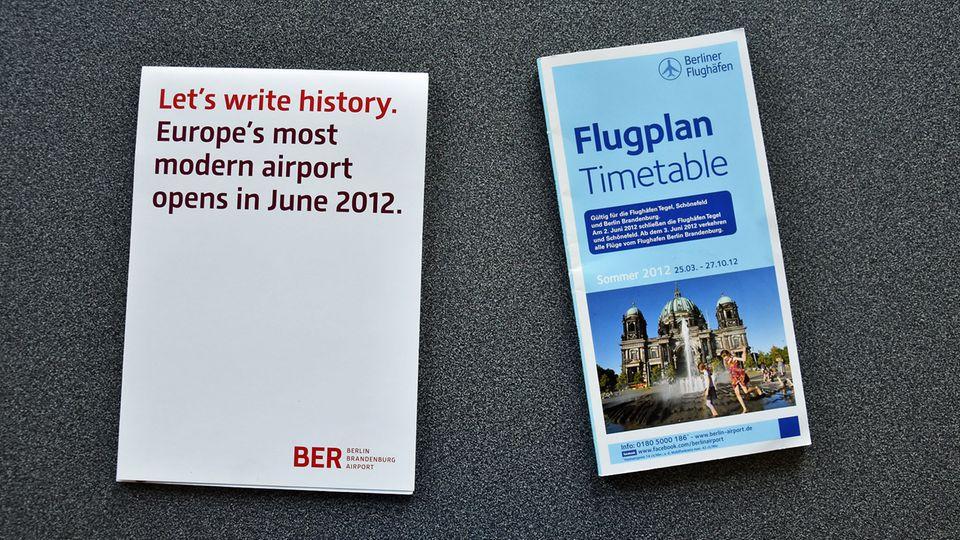 Notizblock zur geplanten Erföffnung im Juni 2012 und der gedruckte Sommerflugplan 2012 mit allen Abflügen ab BER zu 172 Zielen in 50 Ländern