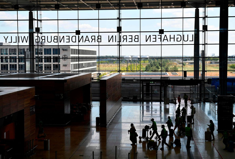 Nach 2012 ein erneuter Anlauf: Mit Komparsen werden im Juli 2020die Abläufe im FlughafenBerlin Brandenburg getestet.