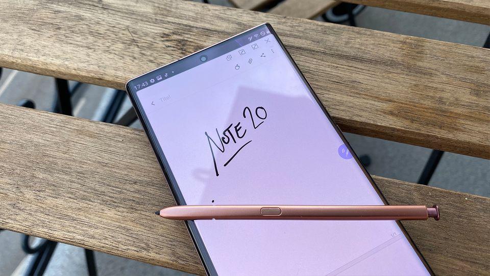 Der S-Pen genannte Stift ist das Markenzeichen von Samsungs Galaxy-Note-Serie. Er verschwindet bei Nichtbenutzung im unteren Rahmen