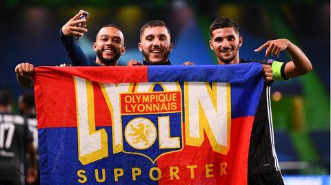 Stützen der Lyoner: Memphis Depay (l.), Rayan Cherki und Houssem Aouar (r.)