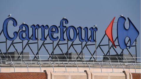 Das Logo der Supermarktkette Carrefour