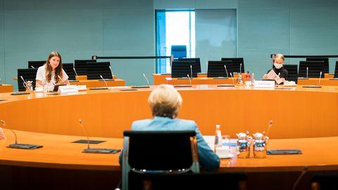 Bundeskanzlerin Angela Merkel und Klimaaktivisten Luisa Neubauer, Greta Thunberg