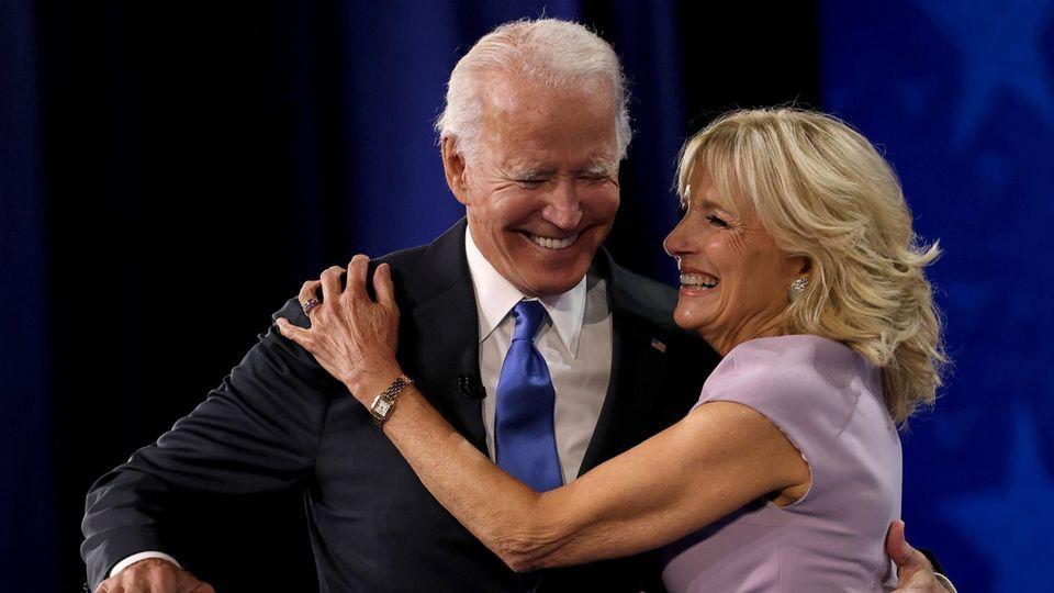 Joe Biden und seine Frau Jill beim Parteitag der Demokraten