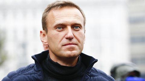 Alexej Nawalny liegtim Koma. Sein Team vermutet, dass er vergiftet wurde.