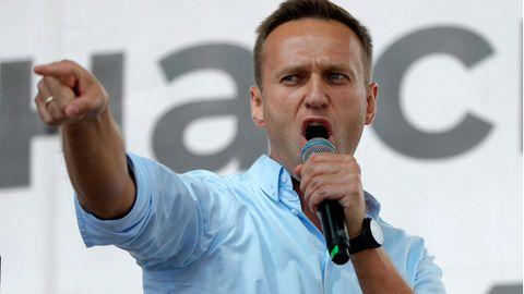 Alexej Nawalny,Oppositionsführer aus Russland, spricht bei einem Protest in Moskau