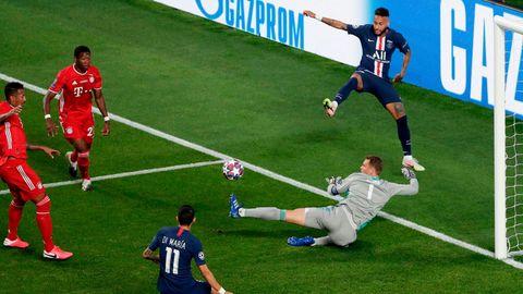 Gleich zwei mal hintereinander rettet Manuel Neuer im Champions-League-Finale in Lissabon vor Neymar