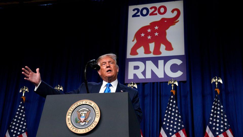 Donald Trump spricht beim RNC 2020 zu den Delegierten