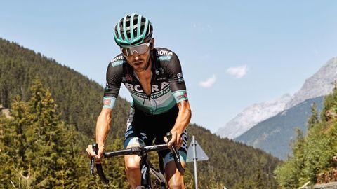 Emanuel Buchmannauf seinem Rennrad