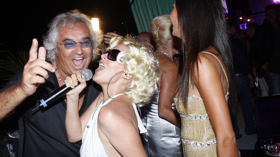 """Flavio Briatore während einer Party in seinem Club """"Billionaire"""""""