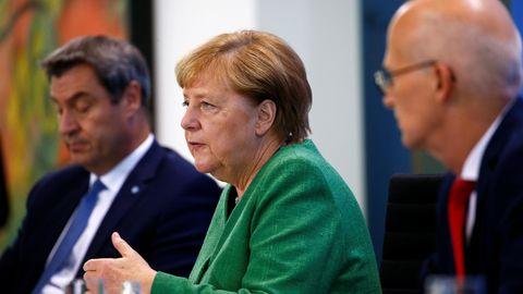 Merkel und Länderchefs informieren über neue Corona-Maßnahmen